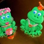 דמויות מפוסלות מבצק סוכר