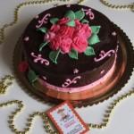 עוגה עם פרחים מבצק סוכר