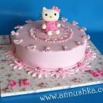 עוגה מעוצבת בבצק סוכר - הלו קיטי