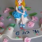 דמויות לקישוט עוגות