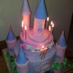 עוגת טירת הנסיכות מבצק סוכר