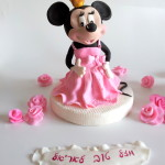 Minnie Mouse fondant topper