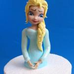 אלזה מבצק סוכר לעוגה מזולפת או עוגת חצאית