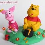 Fondant Winnie the Pooh topper