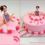 עוגת בצק סוכר למתעמלת אומנותית